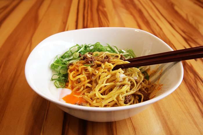 汁なし担々麺1